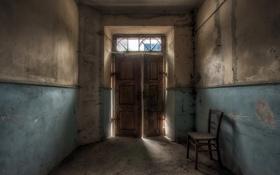 Обои комната, дверь, стул