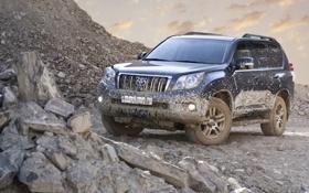 Обои камни, чёрный, грязь, джип, внедорожник, Toyota, щебень