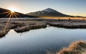 Обои река, берег, природа, горы, дымка, расвет