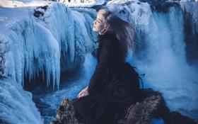 Картинка девушка, солнце, снег, камень, лёд, Iceland, Godafoss
