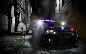 Обои ночь, город, огни, полиция, квартал, сирены