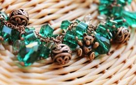 Обои украшения, настроение, мишка, браслет, изумруд