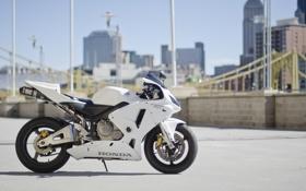 Обои city, город, мотоцикл, белая, white, honda, хонда