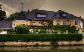 Обои зелень, цветы, дом, пасмурно, вечер, Германия, канал