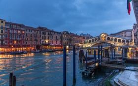 Обои огни, лодка, дома, вечер, катер, Италия, Венеция
