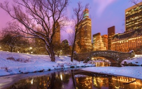 Обои зима, снег, деревья, закат, мост, озеро, отражение