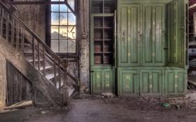 Обои окно, лестница, шкаф