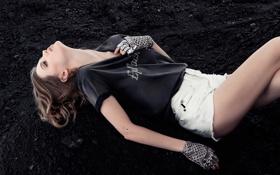 Картинка шорты, перчатки, уголь, фотосессия, бренд, Lindsey Wixson, Линдси Виксон