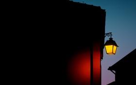 Обои свет, ночь, дом, темный фон, улица, освещение, фонарь