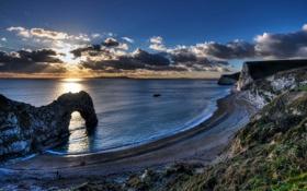 Картинка закат, облака, горизонт, небо, солнце, скалы, море