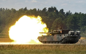 Картинка огонь, танк, полигон, боевой, бронетехника