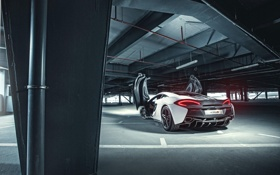 Обои McLaren, White, Parking, Supercar, Rear, 2015, Doors