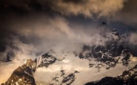 Картинка вершина, облака, природа, горы, снег, зима