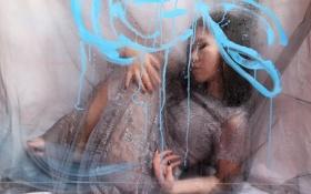 Обои фон, девушка, стекло