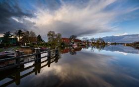 Картинка вода, деревья, отражение, река, берег, дома, лодки