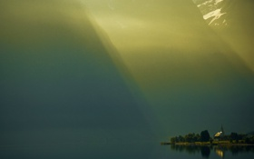 Картинка свет, горы, туман, озеро, берег
