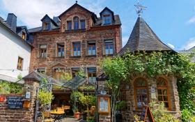Обои дом, ворота, Германия, двор, навес, закусочная, столики