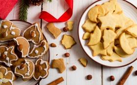 Обои праздник, палочки, печенье, тарелки, орехи, корица, шишка
