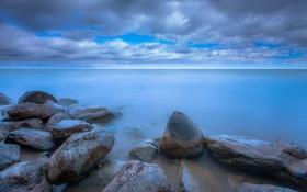 Картинка небо, облака, озеро, камни, голубое, берег, Мичиган