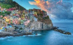 Картинка море, облака, пейзаж, скалы, побережье, здания, Италия
