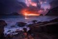 Картинка небо, солнце, облака, лучи, свет, горы, тепло