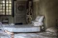Картинка интерьер, скелет, спальня