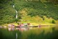 Картинка течение, река, растительность, горная речка, берег, дома, Норвегия