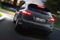 Картинка дорога, серый, фон, Porsche, джип, фонари, вид сзади