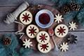 Картинка снежинки, ветки, еда, ель, печенье, сладости, джем