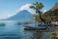 Картинка дерево, лодка, Гватемала, Guatemala, озеро Атитлан, вулкан Атитлан, Lake Atitlan
