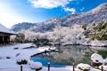 Картинка зима, небо, снег, деревья, горы, озеро, дом