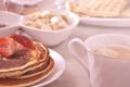Картинка кофе, завтрак, клубника, оладьи