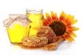 Картинка цветок, соты, баночки, мёд