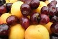 Картинка макро, красное, еда, фрукты, желтое, персики, черешня