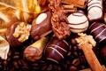 Картинка кофе, шоколад, зерна, конфеты, орехи, корица, десерт