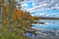 Картинка осень, деревья, река, лодка, домик