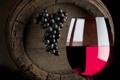 Картинка вино, красное, бокал, виноград, напиток, бочка