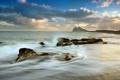 Картинка море, волны, пляж, камни, гора