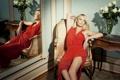 Картинка отражение, Charlize Theron, актриса, красное платье