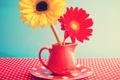 Картинка цветы, стол, кружка, герберы, vintage, винтаж, flowers