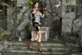 Картинка грудь, девушка, пистолеты, шорты, динозавр, руины, lara croft