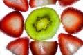 Картинка пузырьки, жидкость, киви, клубника, ягода