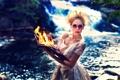 Картинка огонь, книга, девушка, взгляд, блондинка