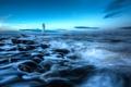 Картинка море, небо, облака, камни, маяк, кран, порт