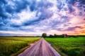 Картинка дорога, поле, облака, деревья, закат, дом, ферма