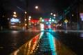 Картинка дорога, полосы, дождь, ночь, асфальт