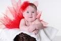 Картинка взгляд, улыбка, red flower, a smile, a look, Маленькая девочка в красной юбке, красный цветочек