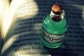 Картинка буквы, пробка, книга, зелёный, напиток, бутылочка