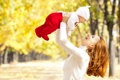 Картинка осень, девушка, радость, парк, ребёнок