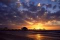Картинка море, солнце, закат, тучи, птица, вечер, пирс
